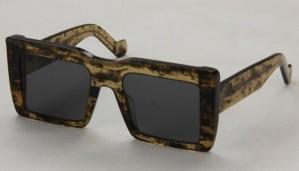 Okulary przeciwsłoneczne Loewe LW40018I_5321_52A
